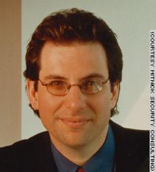 mitnick, hacker pertama yang masuk daftar FBI's most wanted